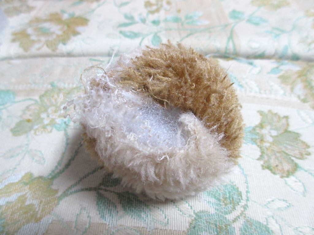 合成の綿の原因のボール。