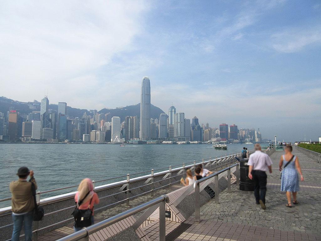 昨日の天気の良い香港。
